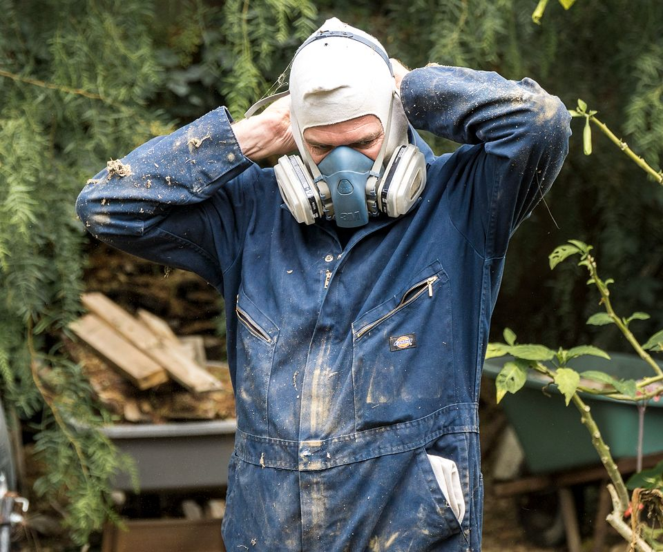 man getting ready to perform foundation inspection